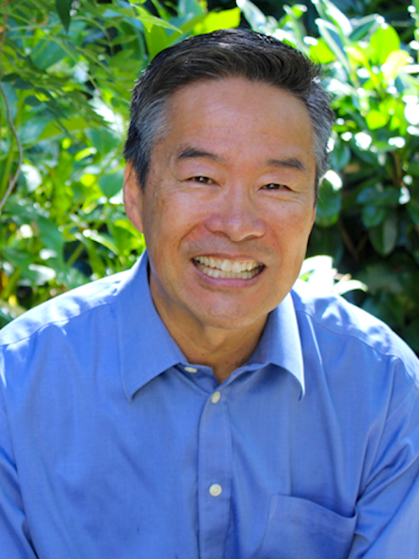 portrait of Tom Ikeda
